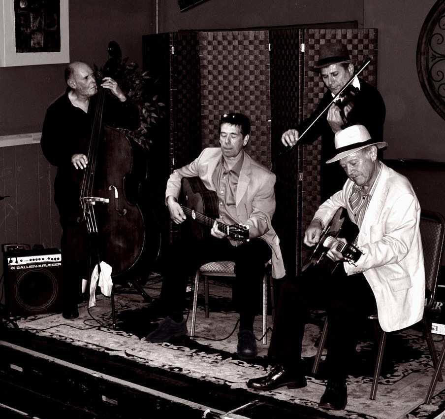 club-django-rhythm-strings